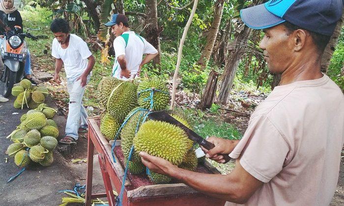 Durian Afa-afa, dari Jalur Kendara hingga Pasar Raya