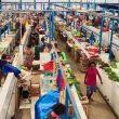 Pedagang Sayur Berkerut Dahi di Pasar Baru Makdahi, Sanana