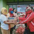 DPC PDIP Halbar Salurkan Sembako untuk Janda Lansia