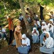 Sulit Akses Internet, Pelajar di Halmahera Utara Ujian di Pantai