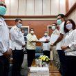PT IWIP Serahkan Ribuan Alat Rapid Test kepada Pemda Halmahera Tengah