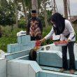Bupati Sula Ziarah ke Makam Kakek dan Nenek di Taliabu