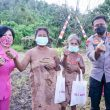 Kapolda Maluku Utara Salurkan Bansos di Halmahera Timur